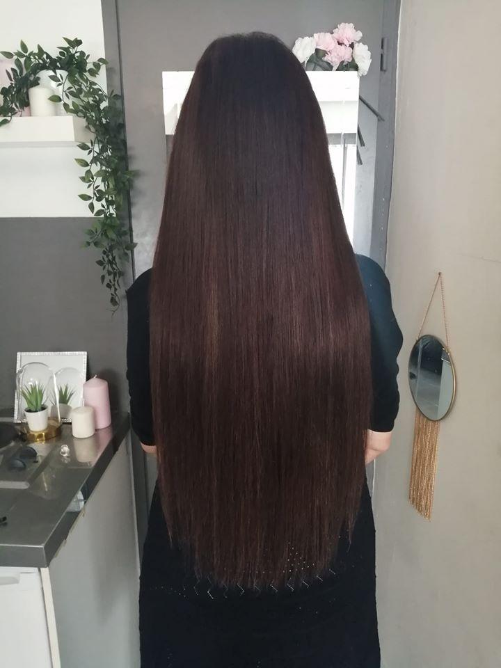 Des extensions pour de longs cheveux soyeux
