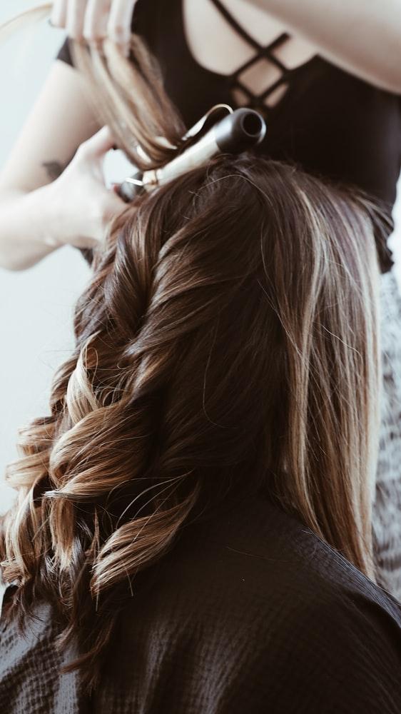 Comment retirer ses extensions cheveux ?